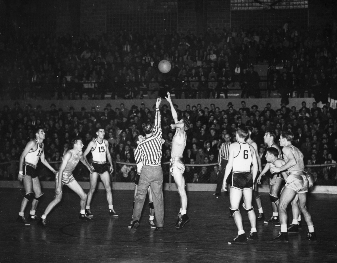 a history of basketball a popular sport Women pioneers in sports history  arguably her biggest win for women came in  her 1973 battle of the sexes  lisa leslie, basketball.